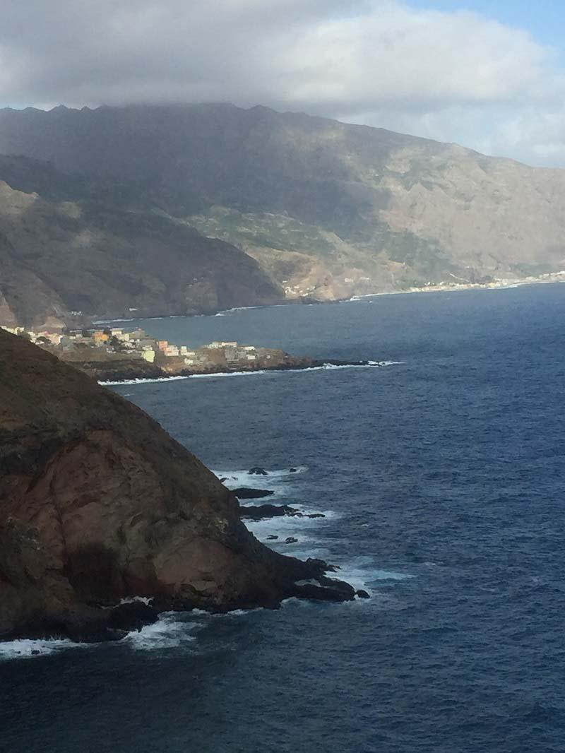 יום 5 - סנטו אנטאו ברגל, מהעמקים הצבעוניים שבהר אל החוף הכחול של האטלנטי