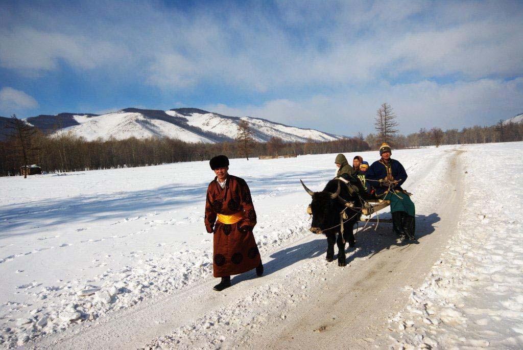 טיול לסיביר ומונגוליה - אל הקרח של אגם בייקל בסיביר וחובסגול במונגוליה