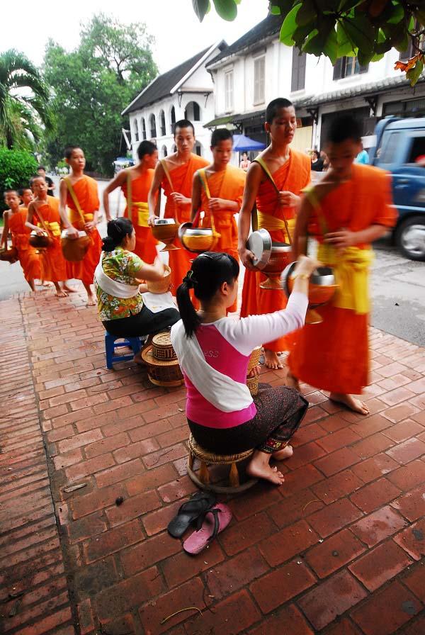 יום 10 - סוף לאוס וטיסה קצרה (ממש) אל קמבודיה