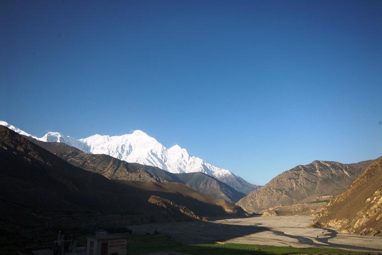 טרק בממלכת מוסטאנג בגבול נפאל בהרי ההימלאיה - על גבול המדבר, מעבר לממלכת הערפל