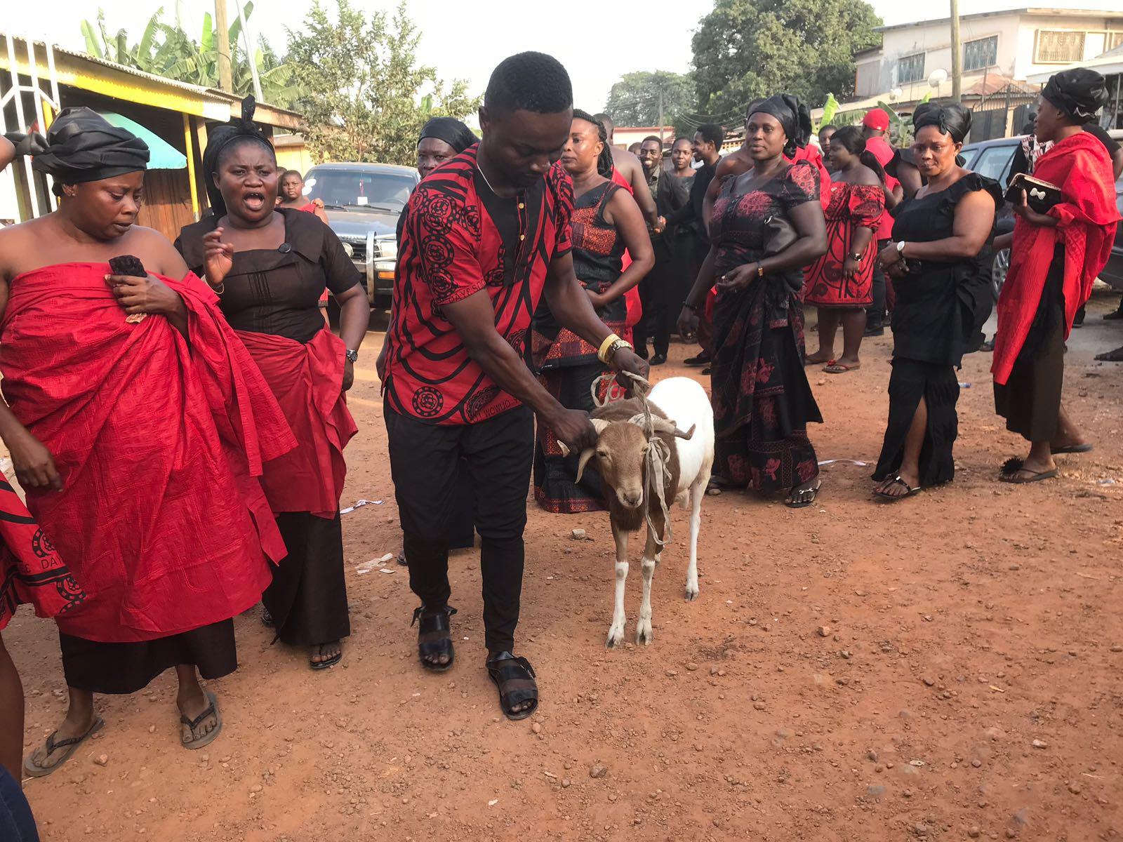 יום 5 - שוק המלכים, שוק עבדים וציפייה ללוויה