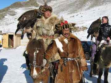 טיול מאורגן בסיביר ובמונגוליה - טיול חורף מיוחד על אגם בייקל הקפוא ופסטיבלי קרח ועיט במונגוליה