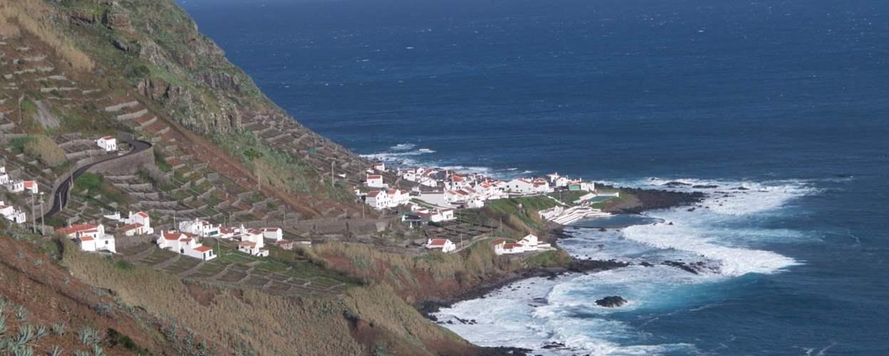 קרנבל באיים האזורים - בין הרי געש ואגמים בלב האוקיינוס האטלנטי